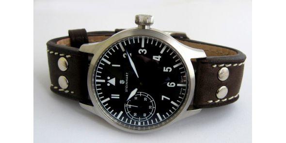 Steinhart Nav B-Uhr Hand Winding 44 mm - F0306-STH 01