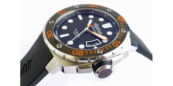 Alpina Extreme Diver 300 - With 3 Spare Straps - NWW 1451