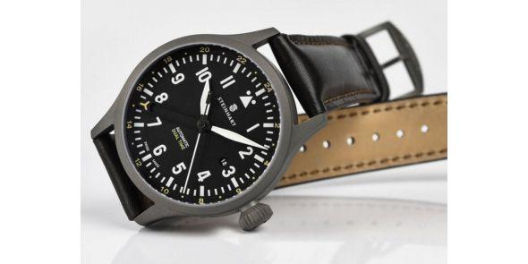 Steinhart Nav.B-Uhr 44 Dual Time Titanium - 107-0758