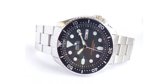 Seiko Automatic Divers Watch 200 Metre SKX 007 - Black Dial - Japan Model - NWW 1490