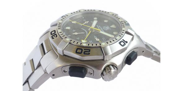 Tag Heuer Aquagraph on Bracelet with spare Tag Heuer Rubber Strap - HEU 229